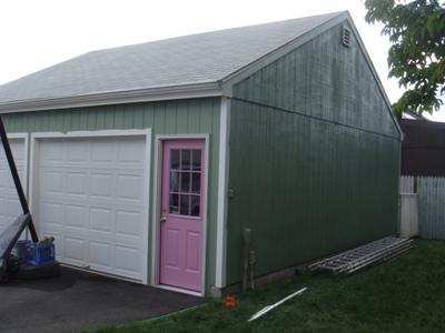 Garage Pink Door_400x300